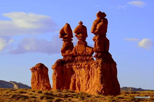 4524657-Travel_Picture-Goblin_Valley_State_Park